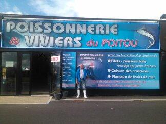 Devanture Poissonnerie et Viviers du Poitou